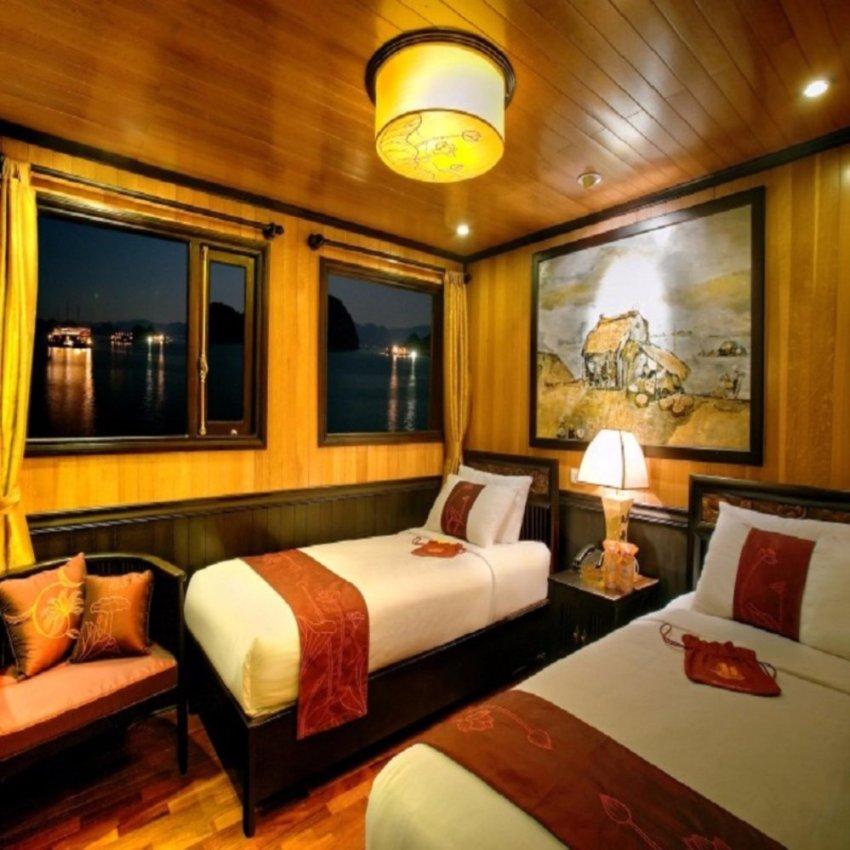 Khách sạn Indochina sails 14 cabins 2 ngày 1 đêm tiêu chuẩn 5* bao gồm ăn sáng