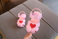 Sandal bé gái đế cao su mềm