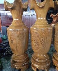 Cặp lục bình gỗ mun cao 58 cm.