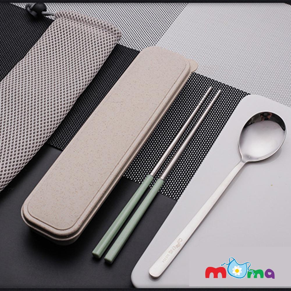Bộ thìa đũa-muỗng đũa inox có hộp đựng bằng nhựa lúa mạch bảo vệ môi trường, kèm túi dây rút_HK045(giao màu ngẫu nhiên)