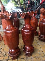 Cặp lộc bình gỗ Hương nguyên khối cao 60 cm.