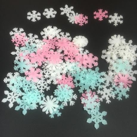 50 Bông tuyết dạ quang – 25.000đ