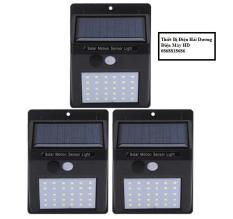 Bộ 3 đèn led cảm biến hồng ngoại năng lượng mặt trời 10W (Đen)