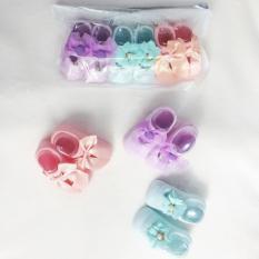 Bộ 3 đôi tất nơ công chúa khác kiểu khác màu cho bé sơ sinh size M ( 3-9 tháng tuổi )