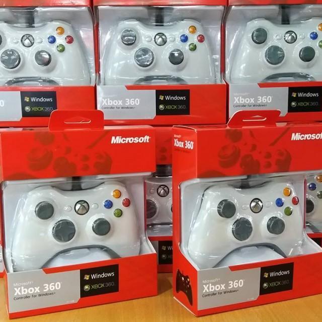 Tay cầm chơi game Xbox 360 có dây(màu ngẫu nhiên)
