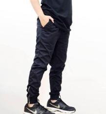Quần jogger kaki khóa zip nam đen