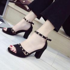 Sandal gót vuông 7cm bản đen tháp trang trí