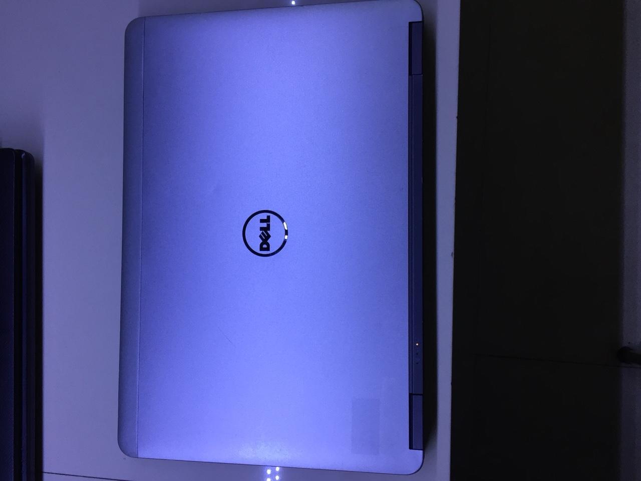 So sánh giá Laptop Dell Latitude E7240 Core i5 4300U, RAM 4GB, SSD 128GB, Intel HD Graphics 4400, Màn hình 12.5″ HD *** BH 1T Tại TIN HOC TIẾN VĂN ST