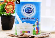 Sữa bột nguyên kem Dutch Lady Cô gái Hà Lan – 900g