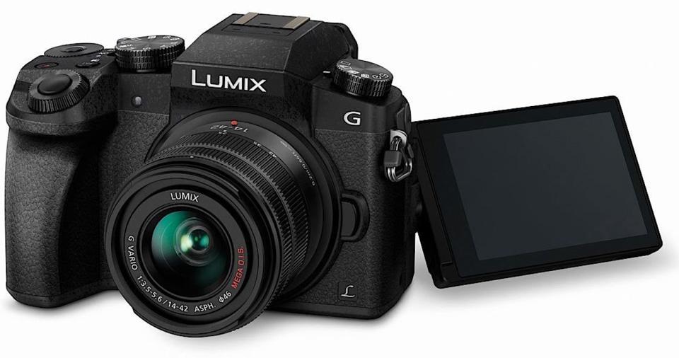 Máy ảnh Panasonic Lumix DMC-G7 with lens 14-42mm