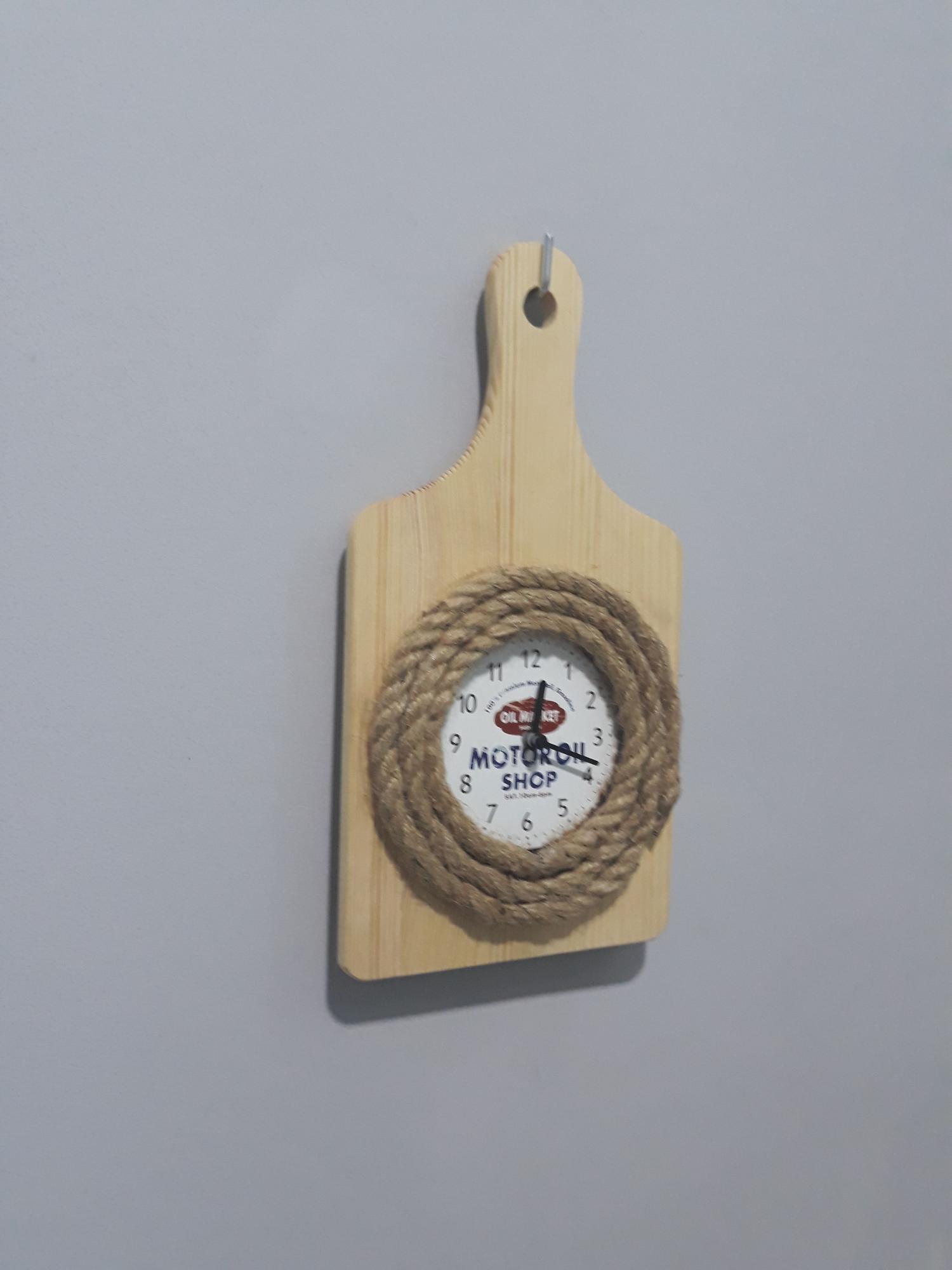 Đồng hồ gỗ tik tak