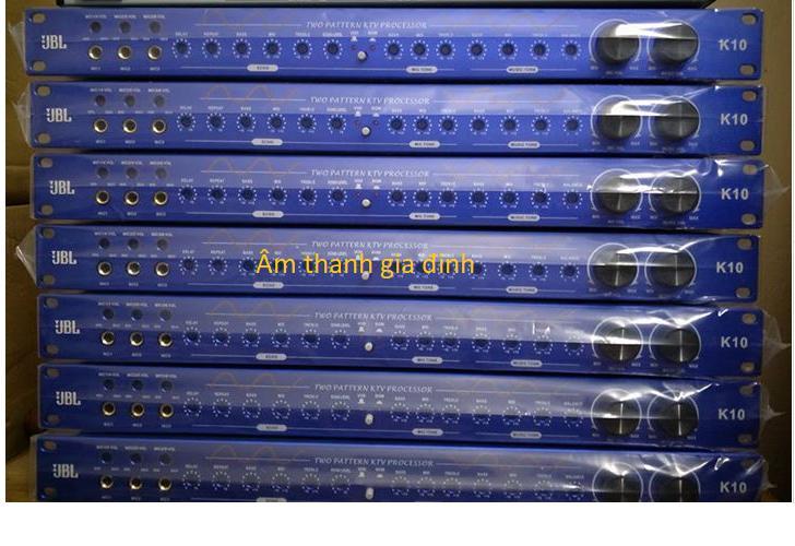 Vang cơ JBL K10 có mạch chống hú riêng biệt