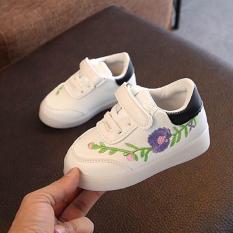 Giày thể thao thêu hoa đế có gắn đèn LED cho bé