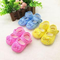 (CHỌN MẪU) Giày tập đi đế mềm chống trượt bé gái in hoa và gắn nơ (Mẫu 7 dép tập đi) giầy tập đi, sandal mềm
