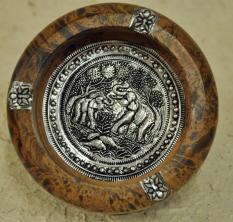 Gạt tàn gỗ vân báo hoa văn voi con ST45