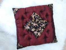 Đệm ngồi lót bông hình vuông 40×40 màu mận chín