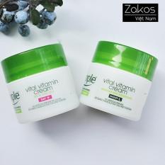 Bộ Kem Dưỡng Da Ban Ngày và Ban Đêm Simple Kind To Skin Vital Vitamin Day Cream SPF 15 UVA/UVB, Night Cream