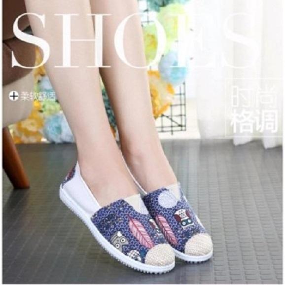 Giày lười nữ bọc cói vintage
