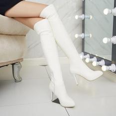 Boot nữ da màu trắng cổ cao trẻ trung GCC10602
