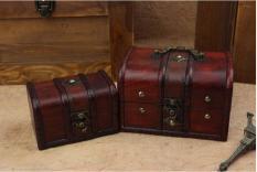 Hộp gỗ đựng đồ cá nhân phong cách châu Âu thế kỷ 17 dạng trơn đơn giản, không hoa văn