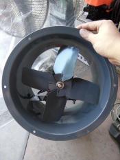 Quạt hút gió công nghiệp Gala Phong lan VF30 có tản nhiệt