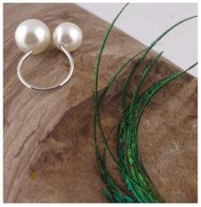 Nhẫn đeo tay hột xoàn trắng thời trang