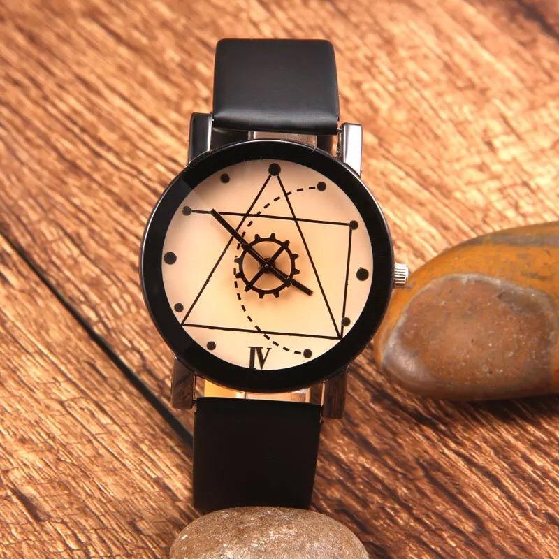 Đồng hồ nữ dây da Thạch Anh Tam Giác (Dây đen, Mặt Xám)