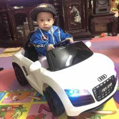Xe ô tô điện phiên bản Audi thể thao cho bé