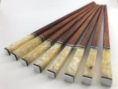 Đũa ăn gỗ Cẩm lai cao cấp đầu gắn trai biển trắng – 10 đôi
