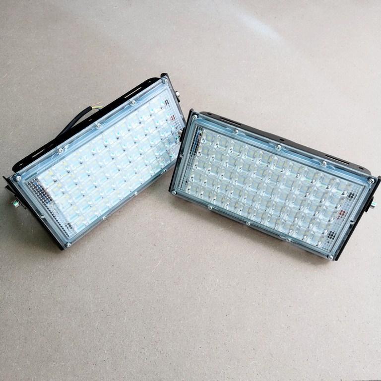Bộ 2 đèn Led Pha 50W Ngoài Trời Chống Mưa Tuổi Thọ Cao 220V (Ánh sáng Trắng)