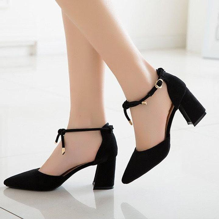 Giày cao gót đế vuông có quai