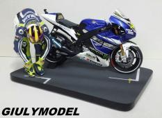 Xe mô hình tỷ lệ 1/12 Minichamps Yamaha YZR – M1 VR46 MotoGP năm 2014
