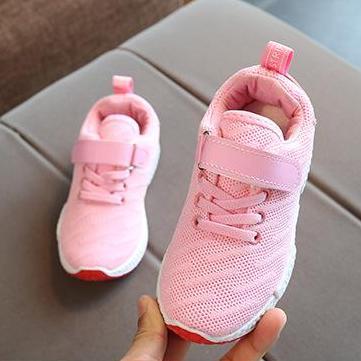 Giày thể thao siêu nhẹ cho bé-đen/trắng/hồng(kèm video và ảnh thật)-Size 26 đến 37 – V57