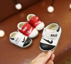 Giày tập đi bé trai dáng thể thao mềm nhẹ size 15-19