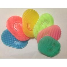 Combo 2 dụng cụ gội đầu – matxa da đầu bằng nhựa