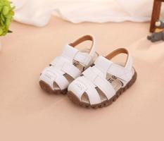 Giày sandal cho bé trai Size 21-30 RS140 (Trắng)
