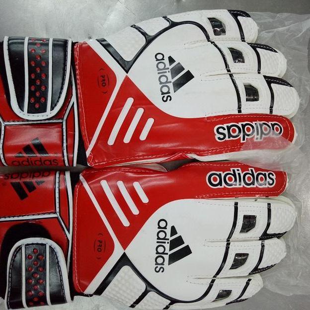 Găng tay thủ môn Adidas (có xương cá ), hãng sản xuất Addidas