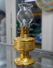 Đèn dầu sứ kim sa vàng cao 18cm