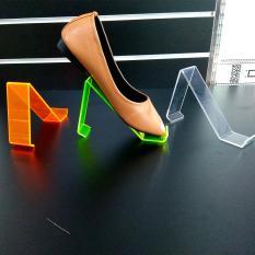 5 Kệ để giày dép trưng bày mica 3li bảng rộng 4cm MCG14