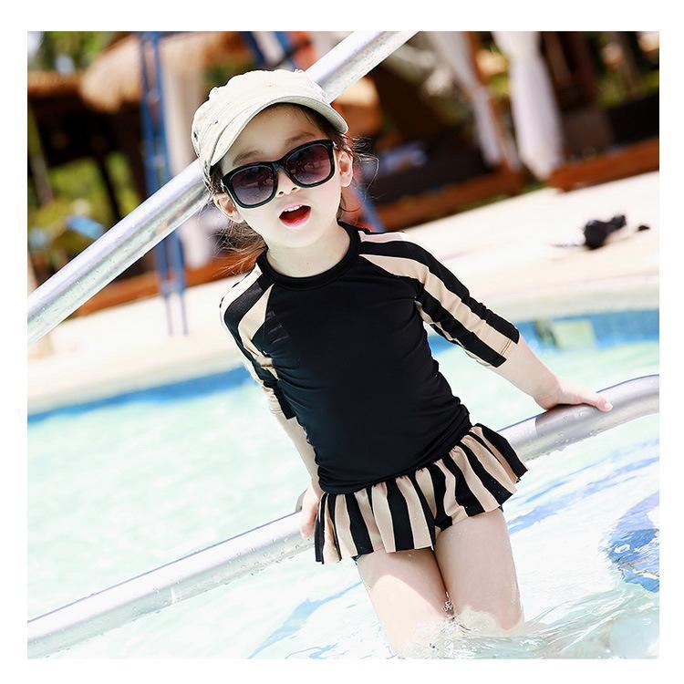 Đồ bơi từ 3-14 tuổi cân nặng 11-35kg croptop tay dài kẻ sọc sành điệu cho bé gái