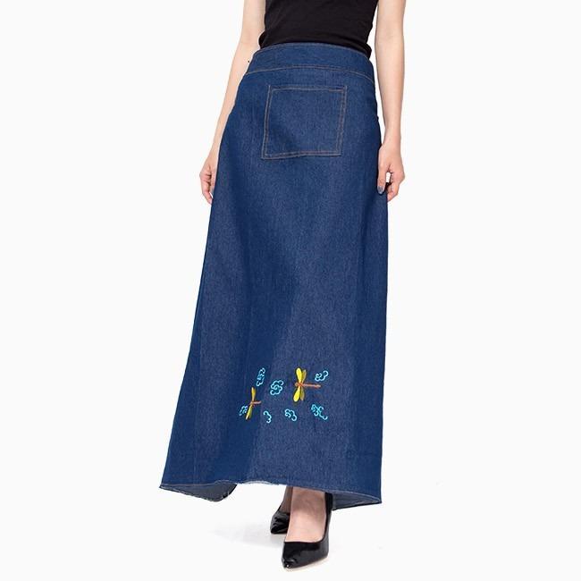 Váy chống nắng jean thêu họa tiết