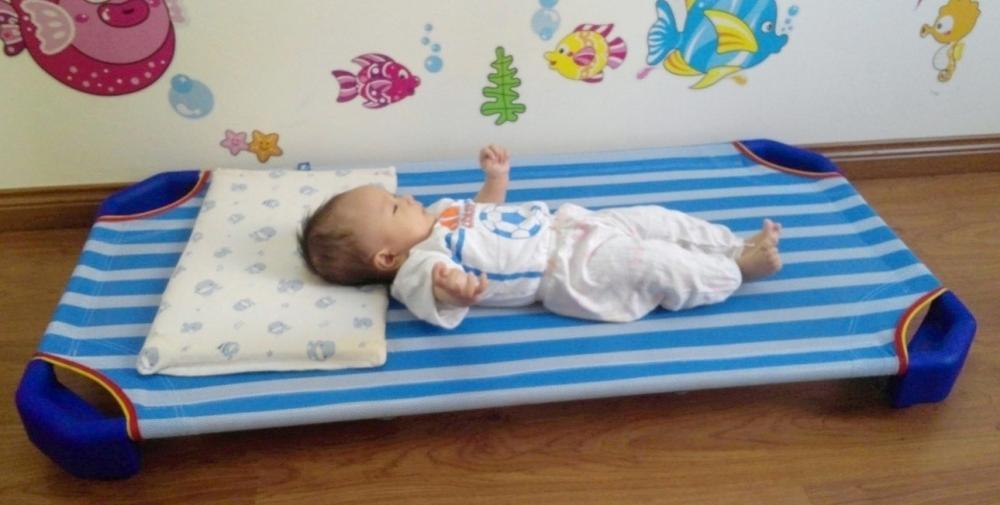 Giường lưới cho bé mùa hè
