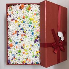 Hạt xốp nhiều màu và hộp quà chữ nhật màu đỏ, hộp quà sinh nhật, hộp đựng mỹ phẩm