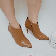 [M76-399] Giày boot nữ thời trang – đính gót nhọn – màu nâu – Size 38