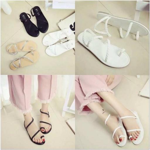 Giày sandal xỏ ngón bính