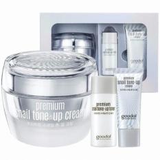 Kem dưỡng trắng và bật tone da tức thì chiết xuất Ốc Sên Goodal Premium Snail Tone-Up Cream 50ml