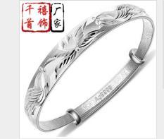 vòng tay bạc phong cách sang trọng
