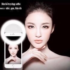 Đèn led trợ sáng selfie ( Tặng kèm gậy chụp ảnh )