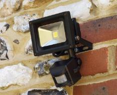 Đèn pha led cảm ứng chống trộm Led 10W