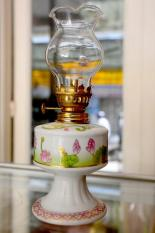 Đèn dầu sứ hoa sen hồng
